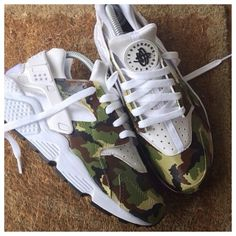 Camo/White Hurarches