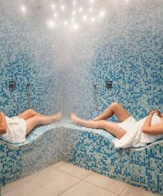 Lie down or take a shower in an insanely clever S-shaped steam room. Home Renovation, Home Remodeling, Basement Renovations, Building A Treehouse, Secret Hideaway, Stained Glass Door, Indoor Hammock, Old Bicycle, Studios