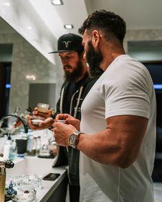 Dan Bilzerian, Rings For Men, Muscle, Instagram, Men Rings, Muscles