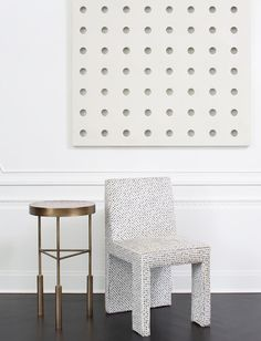Kelly Wearstler Thayer Dining Chair and Sedona Side Table Custom Furniture, Luxury Furniture, Contemporary Furniture, Furniture Design, Interior Design Inspiration, Home Decor Inspiration, Diy Interior, Modern Interior, Entry Way Design