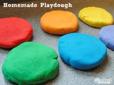Easy Homemade Playdough Recipe ive made this my self with kool aid the smell is awsome Kool Aid, Best Homemade Playdough Recipe, Home Made Playdough Recipe, Homemade Crafts, Homemade Baby, Projects For Kids, Craft Projects, Craft Ideas, Fun Ideas