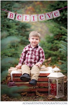 Christmas Mini Sessions Tree Farm Shavertown PA_0030.jpg