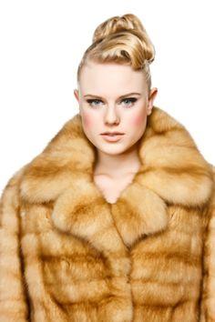 Damen - Pelzmode Sladky  #fur #furs #furcoat #pelz #pelzmantel #zobel #mantel