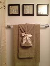 Towel Design for the Bathroom. 20 towel Design for the Bathroom. the towel Niches Shelves are Spectacular Hanging Bath Towels, Hang Towels In Bathroom, Diy Bathroom Decor, Bathroom Renos, Bathroom Ideas, Bathrooms, Master Bathroom, Bathroom Towel Display, Bathroom Staging