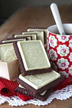 """Des biscuits maison façon """"Petits Ecoliers"""" avec de belles décos de Noël. *-*"""