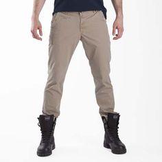 #Pantaloni #EsercitoSportsWear #Esercito - Pantalone dal taglio classico. Ricamo marchio sulla gamba.