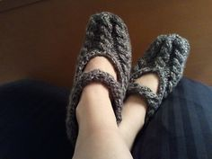 Cabled Ankle Wrap Slippers