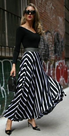 115 Stylish Spring Outfits To Wear for Women 2019 - Page 61 of 115 - Soflyme Mode Outfits, Skirt Outfits, Modest Fashion, Fashion Dresses, Apostolic Fashion, Modest Clothing, Black Women Fashion, Womens Fashion, Striped Maxi Skirts