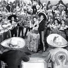 """SI ME HAN DE MATAR MAÑANA. Inicia rodaje el 17 de septiembre de 1946 en la Ciudad de México en los Estudios Churubusco bajo la dirección de M.Zacarías. Música de Manuel Esperón. Intérpretes: Pedro Infante, Sofia Alvarez, René Cardona, Nelly Montiel,""""El Chicote"""". Estreno en México el 23 de Mayo de 1947. *PEDRO INFANTE CRUZ, actor y cantante mexicano ícono de la Época de Oro del Cine Mexicano. (Mazatlán, Sinaloa 18 de noviembre de 1917- Mérida, Yuca..."""