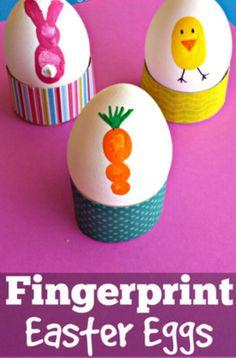 Ostereier bemalen mit Fingerfarben