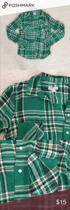 🎉Price drop🎉  Green Flannel/Plaid Button Down Description: Green, black and white flannel/plaid design button down shirt; white buttons; collar. Condition: pre-owned, excellent condition (only worn a couple times). Brand: Merona (sold at Target). Size: XS Merona Tops Button Down Shirts