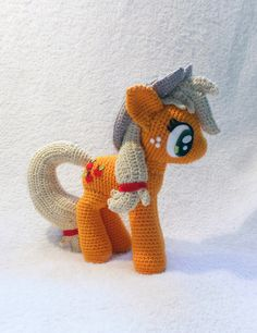 """The third of my """"Main 6"""" Amigurumi High: 20cm, Width: 21cm Materials: 50g/200m wool, 2,5mm hook, felt for the eyes and cutie mark (on the left side), sequin-leafs Will be commissioned... Other view..."""