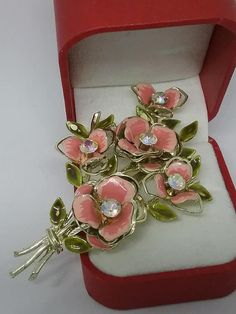 Your place to buy and sell all things handmade Vintage Jewellery, Vintage Brooches, Vintage Pink, Vintage Items, Pink Petals, Boho Bags, Costume Jewelry, Affair, Jewelry Gifts