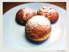 Gogosi umplute cu crema de vanilie Baked Potato, Deserts, Muffin, Potatoes, Gem, Baking, Breakfast, Ethnic Recipes, Food