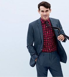 When it comes to men's holiday suiting and J.Crew, the brand has straight-forward solutions–its Crosby and Ludlow suits. One of J.Crew's prized pieces is none other than the Ludlow blazer. A festive s