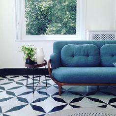 Luxury canaletta #walnut framed #sofa @porada0366 with two feather back cushions.