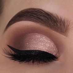 29 Gorgeous Eye Makeup Looks For Day And Evening - eye makeup for blue eyes ,brown eyes , eye shadow Prom makeup -- prom eye makeup or sephora prom makeup Click visit above for more options Evening Eye Makeup, Prom Eye Makeup, Glitter Eye Makeup, Nude Makeup, Blue Eye Makeup, Eye Makeup Tips, Smokey Eye Makeup, Eyeshadow Makeup, Makeup Light