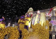 """La magia de los 👑👑👑 Reyes Magos visitará las calles de #Almería el próximo jueves 5 de enero en la #Cabalgata #2017. Y no os preocupéis, los caramelos de este año serán """"de goma blanda"""" ;)  #almeriatrending #almeria #cabalgata2017"""