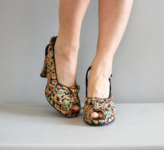 1940s shoes / 40s platform heels / Garden Floral by DearGolden