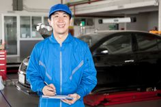 Students in Car Mechanic Training Should Watch Out for These 4 Signs an Alternator May Be Malfunctioning