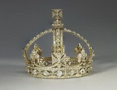 Queen Victoria's small diamond crown, 1870 (Royal Collection Trust © 2012, Her Majesty Queen Elizabeth II).