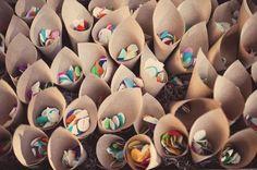 cones de pétalas (para jogar nos noivos)