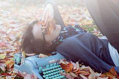 Eu sou outono, disparado.E ligeiramente primavera.Estações transitórias!...(martha medeiros)