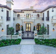 – My Ideas 45 luxury modern house exterior design ideas Luxury Homes Exterior, Luxury Modern Homes, Luxury Homes Dream Houses, Dream House Exterior, Exterior Design, Interior Modern, Dream Homes, Luxurious Homes, House Exteriors