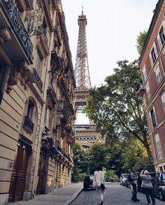 Paris! Rue de l'Université 😍