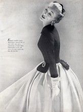Mainbocher 1951 Black and white Evening Gown, Photo Richard Avedon