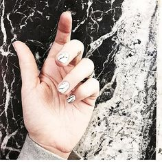 """Marble Nails"" Nageldesign Ideen"