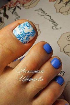 swirly blue toe nail design
