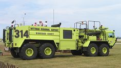Wittman_Regional_Airport_fire_truck_AV2005.jpeg