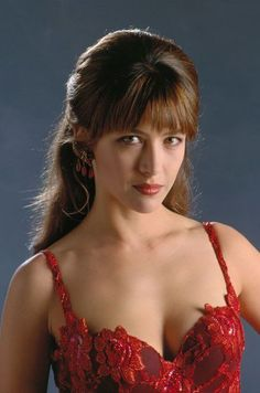 Sophie Marceau is a French actress best known for playing Bond girl/villain Elektra King in the 1999 James Bond film The World Is Not Enough. Sophie Marceau Photos, Sophie Marceau James Bond, James Bond Girls, Beautiful Women Over 40, Beautiful Pictures, Jenifer Aniston, Isabelle Adjani, French Beauty, French Actress