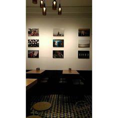 """@beershootermalasana  Ya listo el montaje en nuestra pared de exposiciones este viernes a parte de nuestra inauguracion da inicio la exposicion fotografica - miradas """"sin ritual"""" de la india - con los fotografos @cerezapiche @yurarod @fotoneutrino los esperamos  #beershooter #malasaña  #malasañamola  #condeduque  #condeduquegente  #madrid #cervezaArtesana #craftbeermadrid #cervezaartesanamadrid #rinconesdemalasaña #callelapalma #beermadrid  #cervezamadrid #inauguracion #eventomadrid…"""