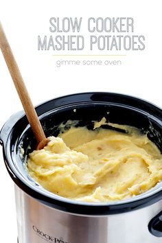 Slow Cooker Mashed Potatoes Recipe | gimmesomeoven.com #slowcooker #crockpot