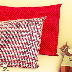 Já pensou na Guarda Real cuidando dos seus sonhos? :) E a fronha Preto no Vermelho dando ainda mais cor para a cama? <3
