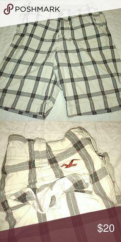 Hollister Size 30 Men Plaid Shorts Nice used pair of Hollister shorts 30 men. Hollister Shorts Flat Front