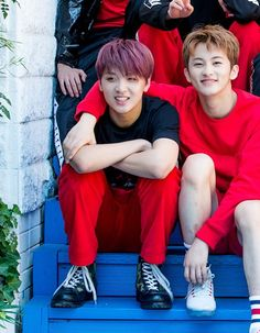 My babies have grown up * crying * Johnny Seo, Sm Rookies, Mark Nct, All The Things Meme, Kpop, Music Tv, Winwin, Taeyong, Jaehyun