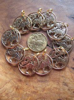 10 x cut coins : Mob of roos... http://www.geldsaegen.de/Australien-1-Dollar-5-Kaenguruhs-.html - 10 x ausgesägte, Australische Dollars als Münzschmuck