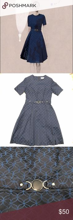 Estée Lauder Belted Sheath Dress Navy Blue Estée Lauder belted sheath dress. Designed by Opening Ceremony, the rope and weave pattern and quality of the materials feels luxurious. Its in perfect condition. Size 4. Estee Lauder Dresses