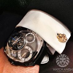 @HarryWinston Histoire De Tourbillon 4 (developed in association with Greubel Forsey). In my opinion it's much better looking than the previous Histoire De Tourbillon (number 3). Very nice piece! Fox paw cufflinks by @themonsieurfox
