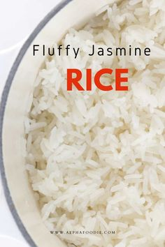How to cook jasmine rice on the stovetop perfectly every time (no rice cooker required!). For fluffy and light, perfect jasmine rice time and time again, using a simple stovetop method! Jasmine Rice Recipes, Cooking Jasmine Rice, Vegetable Crisps, Vegetable Rice, Perfect Jasmine Rice, Rice On The Stove, Keto Broccoli Cheese Soup, Asian Rice, Heritage Recipe