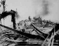 Marines storm Tarawa. Gilbert Islands nov.1943
