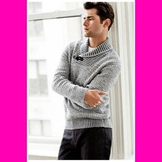 O'Pry for H&M  After donning outerwear and knitwear for Swedish retailer H&M, American model Sean O'Pry connected with photographer David Roemer (Atelier Management) for new season imagery.  Captured in images shot indoors as well as in the streets of New York City, Sean modelled a casual autumn wardrobe that balanced an array of smart suiting separated with jackets and stylish knitwear.