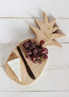 Poppytalk: DIY Pineapple Cutting Board