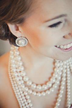 ロイヤルな雰囲気の大粒パールイヤリング☆ 花嫁の付けるイヤリング一覧。ウェディング・ブライダルの参考に。