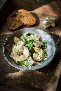 Spinatsalat mit Blauschimmel und Birne