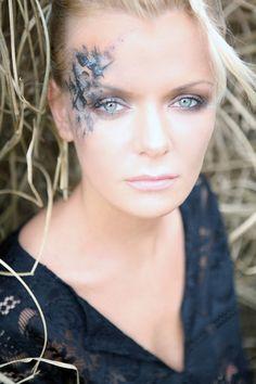 Makeup by Franziska Lerch, Professional Make-up School, ph Franco Taranto School Makeup, Ph, Glow, Make Up, Makeup For School, Makeup, Maquiagem