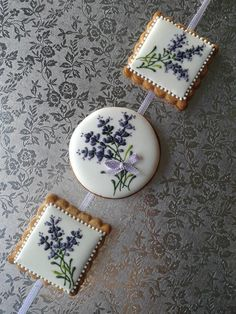 Beautiful tea cookies with hand piped lavender. Fancy Cookies, Iced Cookies, Cute Cookies, Easter Cookies, Cupcake Cookies, Sugar Cookies, Cookie Icing, Royal Icing Cookies, Paint Cookies